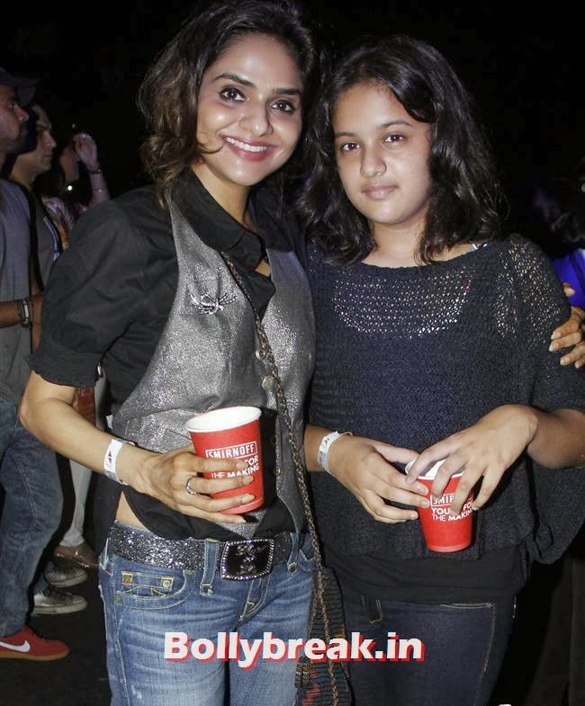 Madho With Her Duaghter, Page 3 Babes at Sunburn Arena DJ AVICII Concert