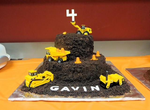 Construction Site & Vehicle Dirt Cake 2