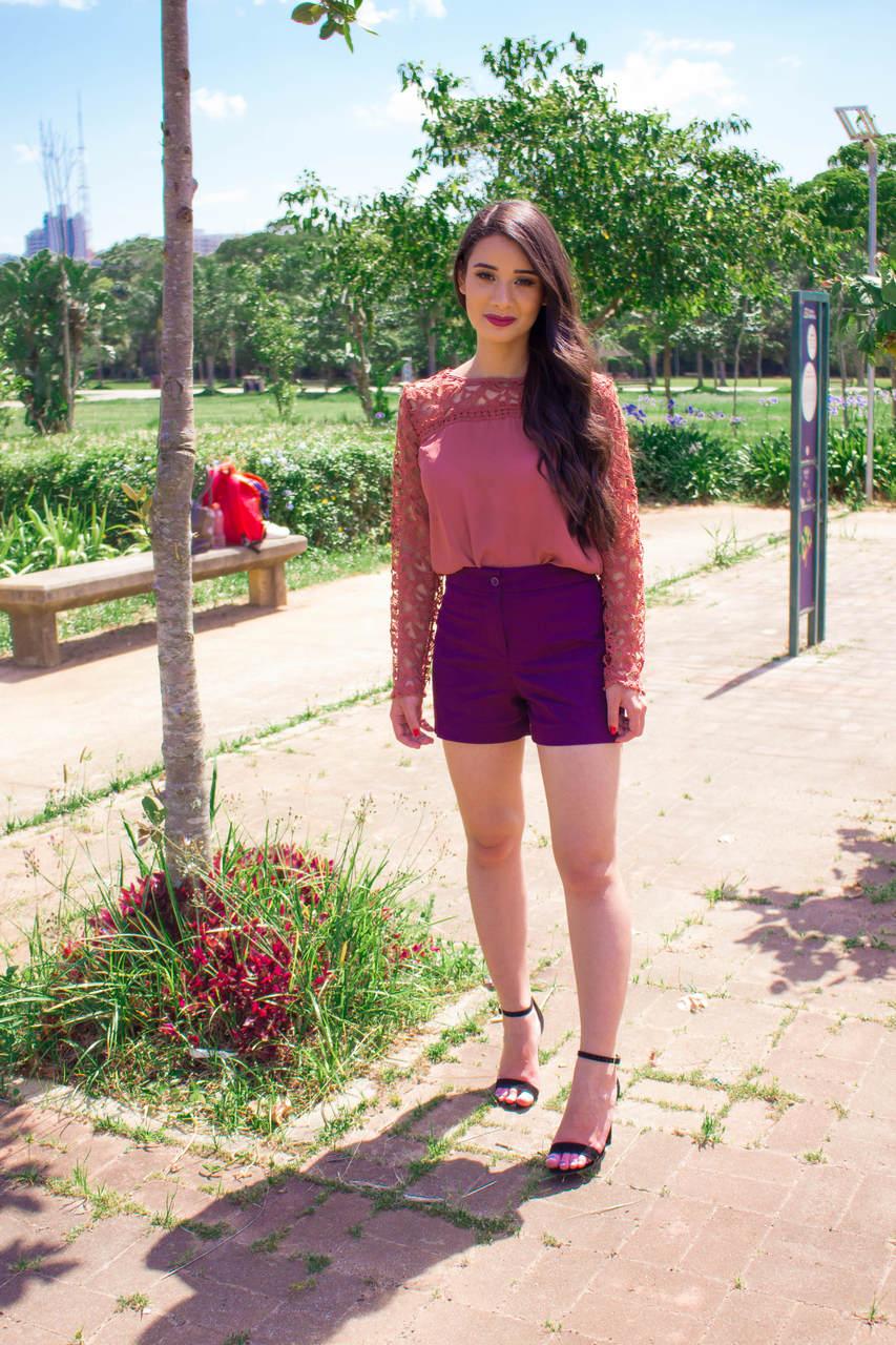 Look do Dia: Short + Blusa de Renda