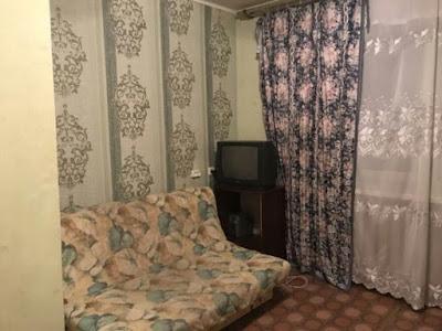 На фотографии изображена аренда гостинки возле Индустриального моста Гетьмана 38 - 2