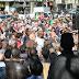 VÍDEO | Así colapsan cientos de musulmanes una ciudad francesa como protesta por el cierre de una mezquita