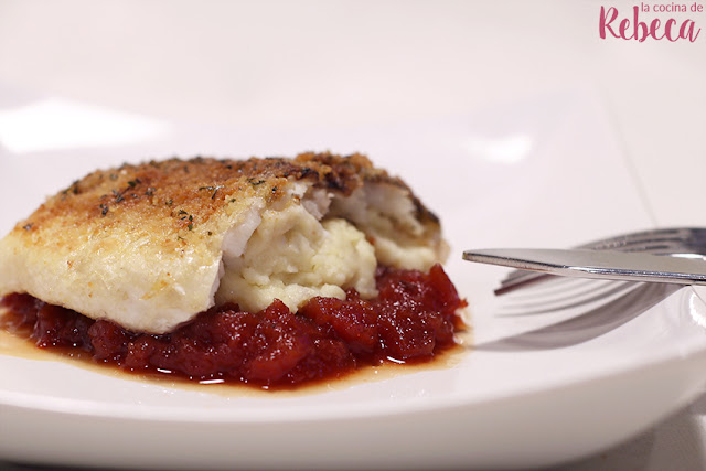 Dorada gratinada sobre mermelada de tomate y parmentier