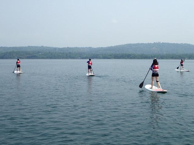 standup paddbleboarding taal lake