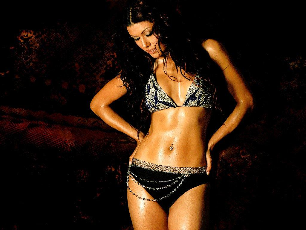 Koena Mitra Hot Cleavage Show