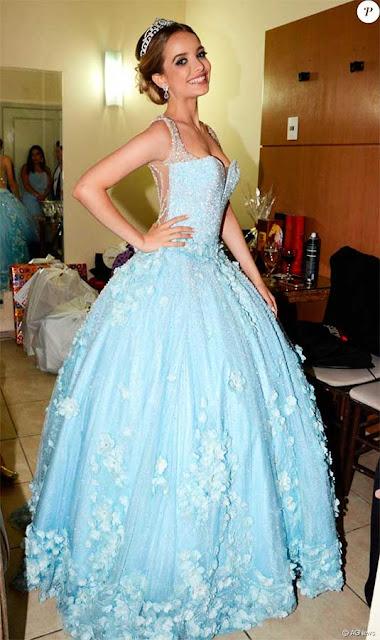 Giovanna Chaves, vestido valsa