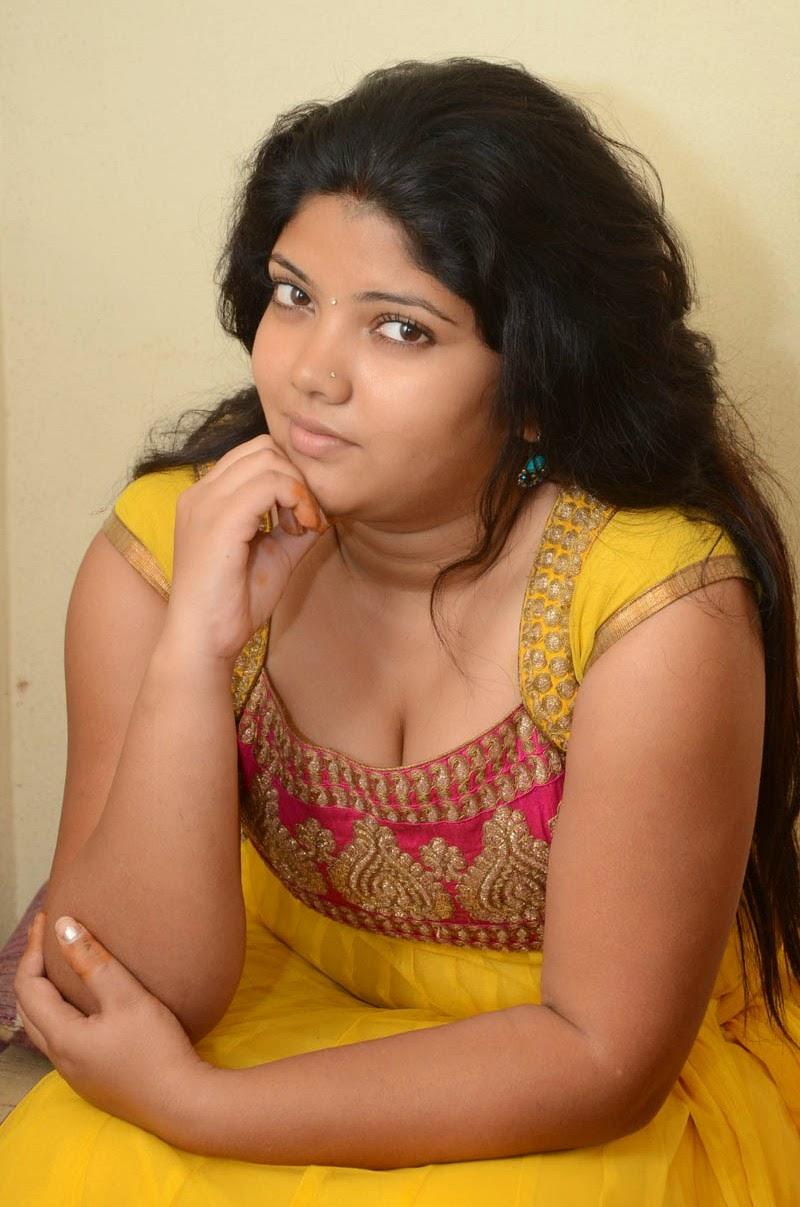Tamil Actress Divya hot images photos pictures HD ...
