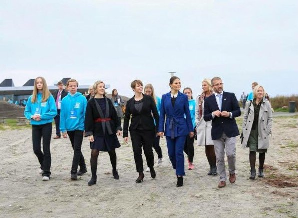 Crown Princess Victoria wore Af Klingberg Rakel Suede Nero Boots, Dagmar Taylor Tote Bag. Blue wool coat