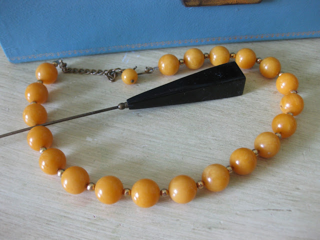 bakelite necklace and hat pin