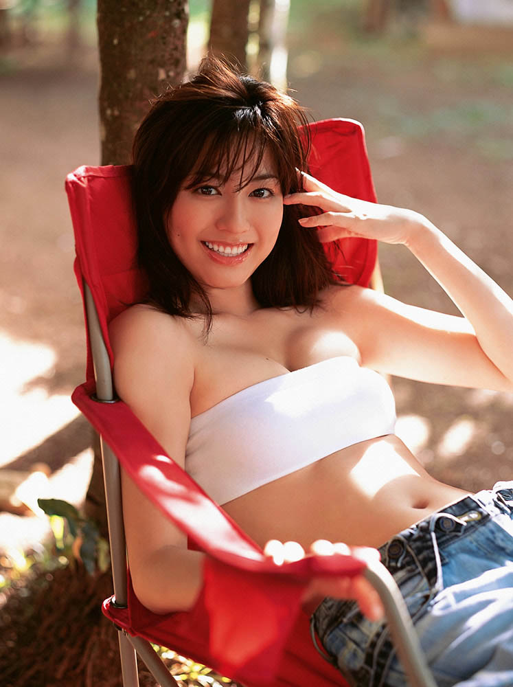yumi sugimoto sexy bra and panty photos 01
