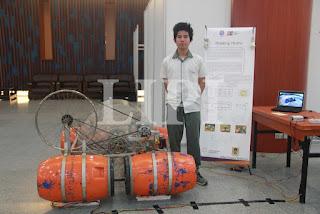 7. Arfan Khairul Wibisono dari Sampoerna Academy Jakarta dengan judul karya Floating Hydro