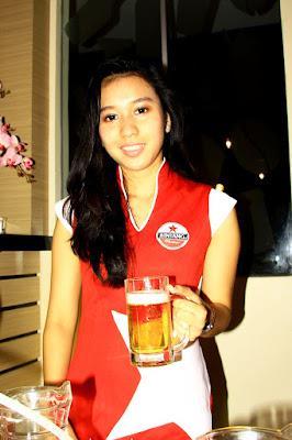 Foto-Foto Kumpulan SPG berbagai Produk suka minum bir dan mabuk hot suka sange