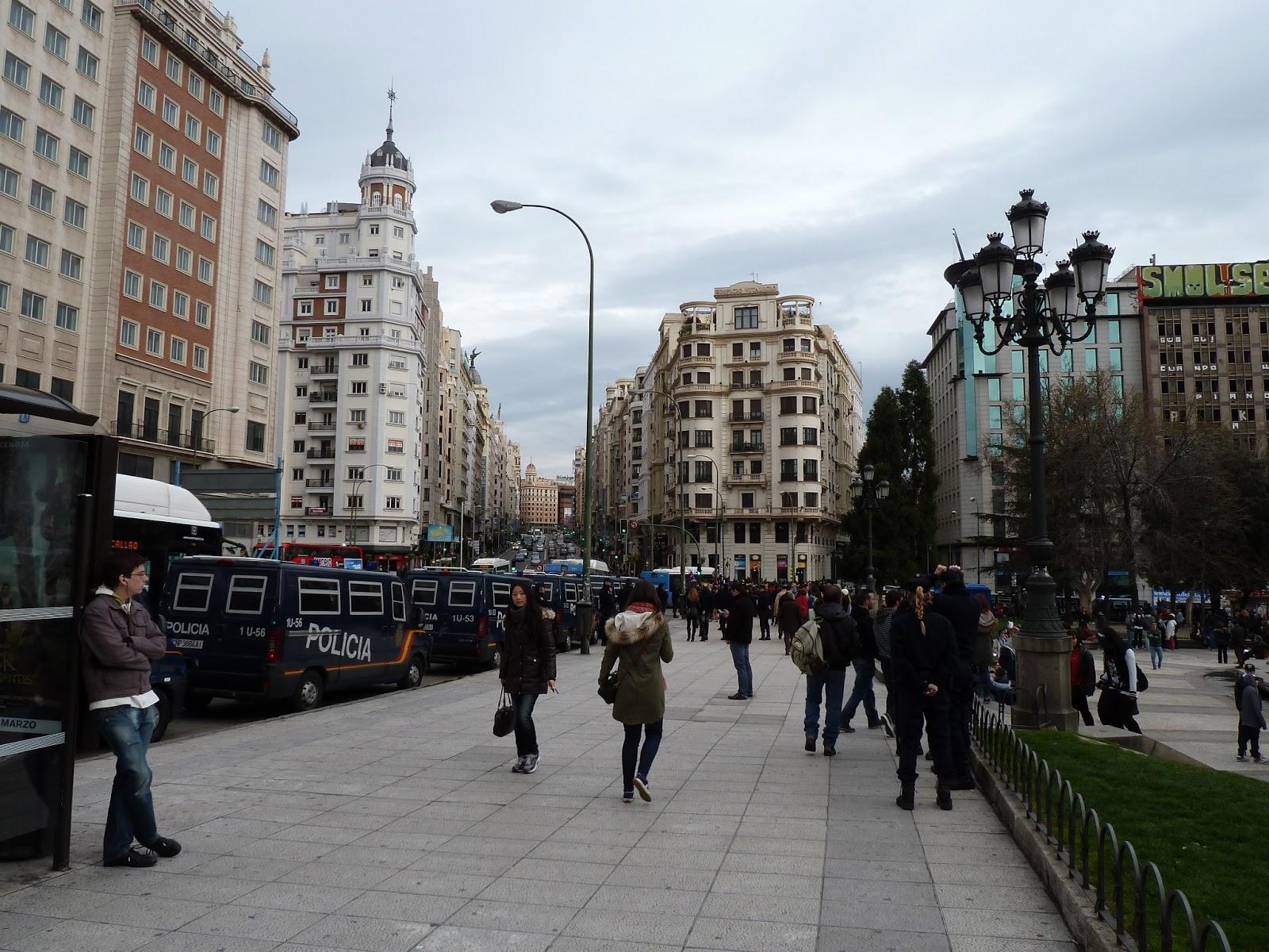 La loc cr nica mani 16 marzo madrid plaza espa a sol for Sol plaza madrid