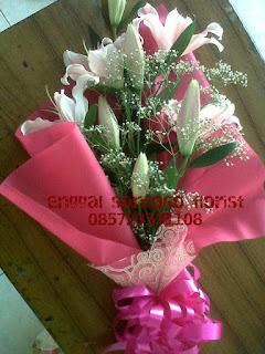 bunga tangan tiger lily