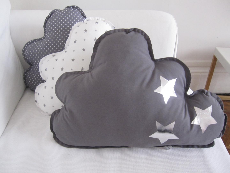 les toiles grises nos b b s sont g t s. Black Bedroom Furniture Sets. Home Design Ideas