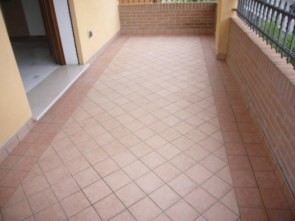 Rivestimenti Balconi Esterni : Piastrelle per esterni balconi: pavimenti per esterni. piastrelle