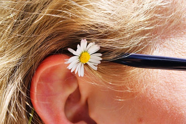 Fungsi utama dari indera pendengaran atau indera pendengaran insan ialah sebagai alat  7 Fakta Menarik Tentang Indera Pendengaran Manusia