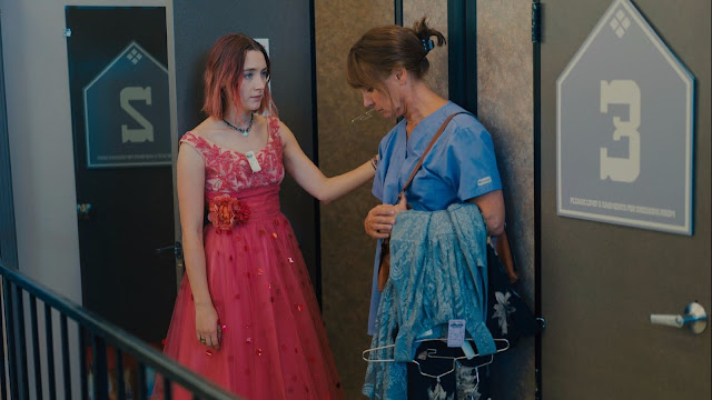 Lady-Bird-Movie-Trailer-Review