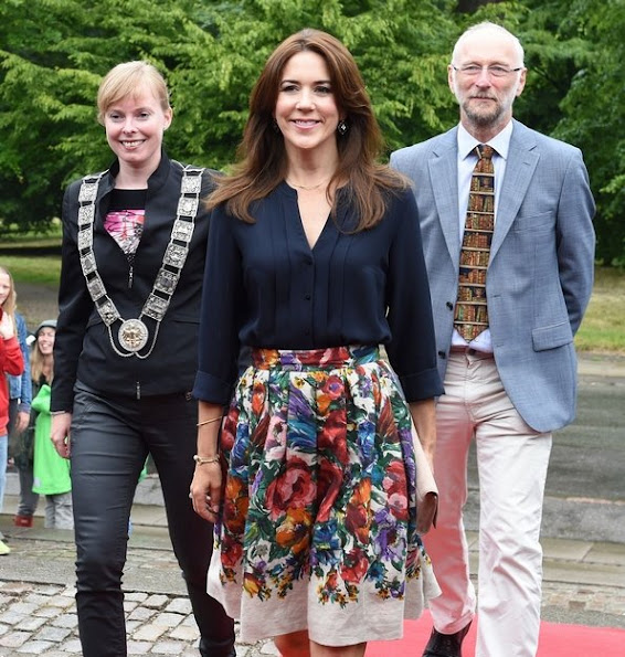 Crown Princess Mary opened the campaign of Sommerbogen 2014