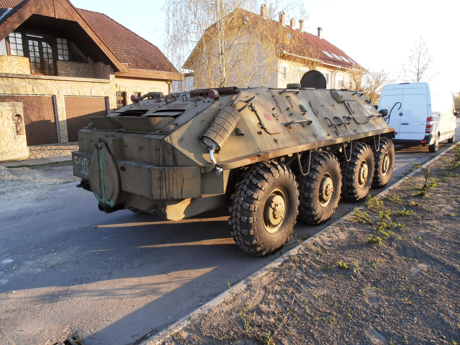 VINTAGE MILITARY VEHICLE SALES AND RESTORATION - HUNGARY: HUNGARIAN