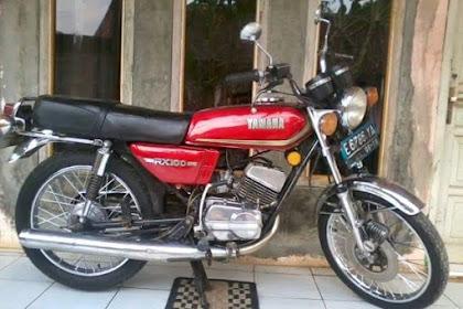 Belajar Naik Motor dengan Yamaha RX 100