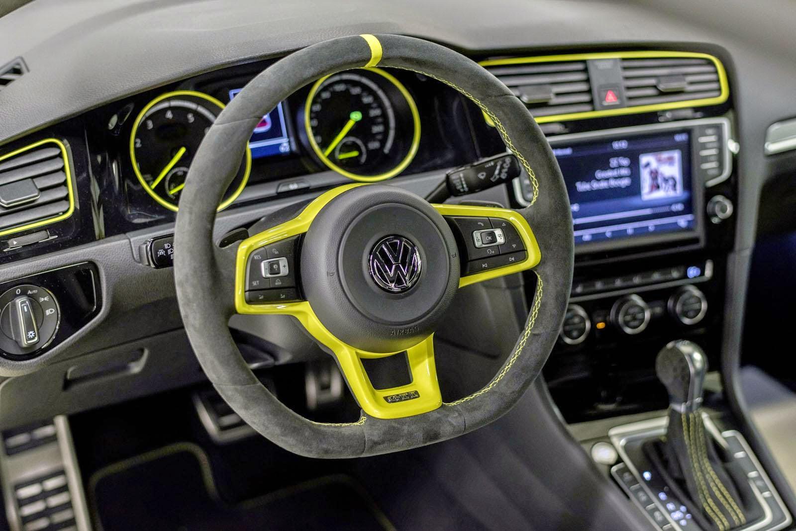 [Resim: Volkswagen%2BGolf%2BGTI%2BDark%2BShine%2B2.jpg]