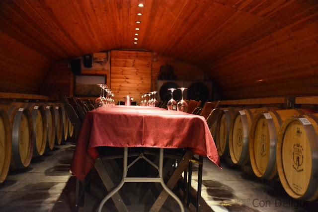 שולחן ערוך ביקב טורא table on tura winery