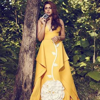 huma qureshi hot in yellow dress