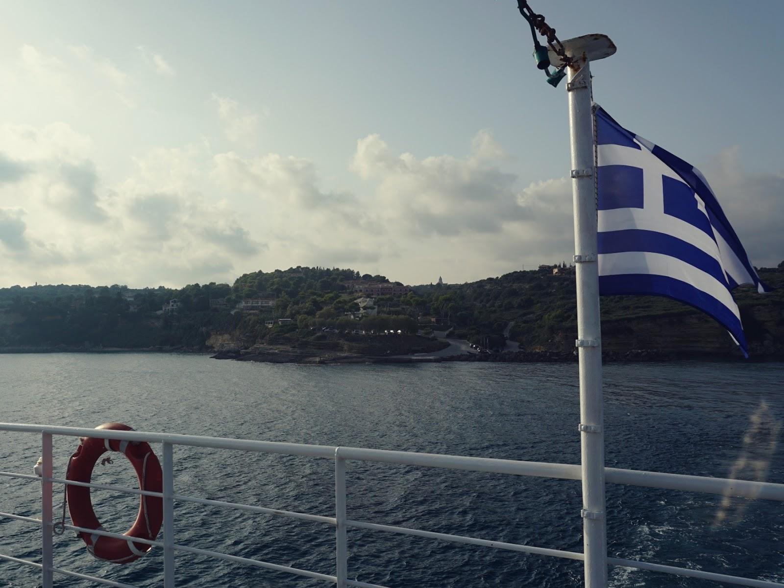 Kefalonia, wyspa, Grecja, wyspy Jońskie, na morzu, na okręcie, fotografia podróżnicza, panidorcia, pani dorcia, blog o Islandii, blog o podróżach