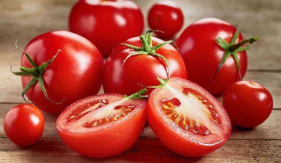 Oya, dipostingan kali ini kami akan membahas manfaat buah tomat untuk wajah. Tak ada salahnya jika anda mencoba tips yang kami berikan ini.
