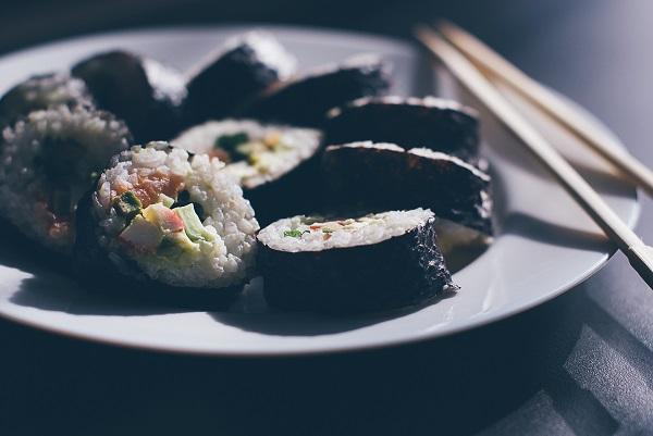 On démystifie les sushis végétariens