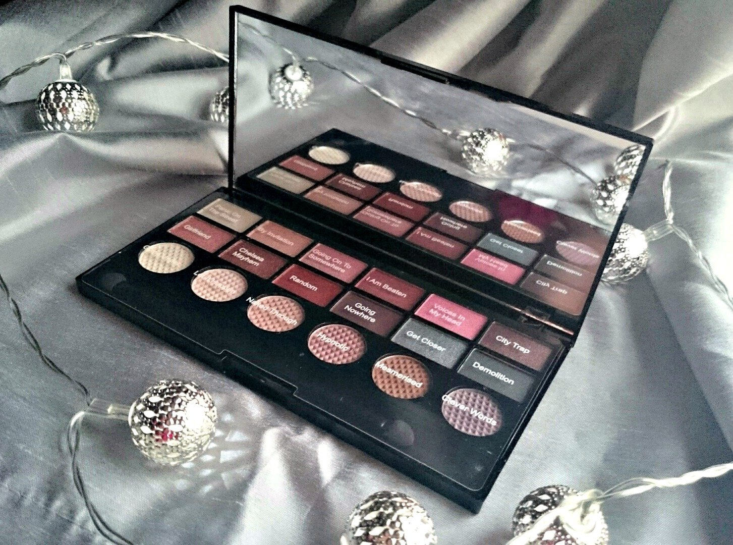 Makeup Revolution Girl Panic palette