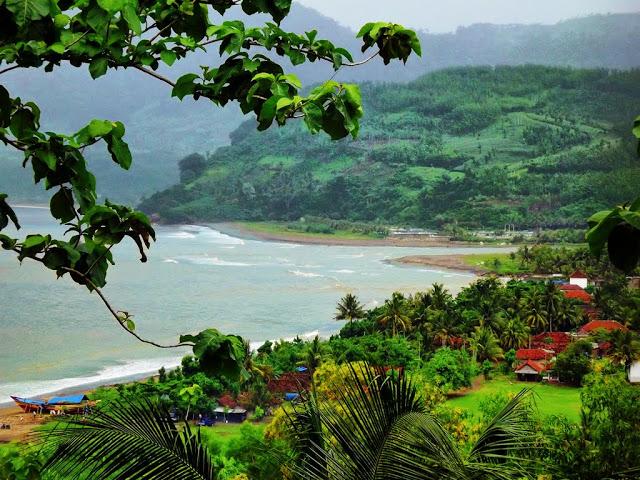 Pantai Popoh Merupakan Salah Satu Wisata Andalan di Tulungagung