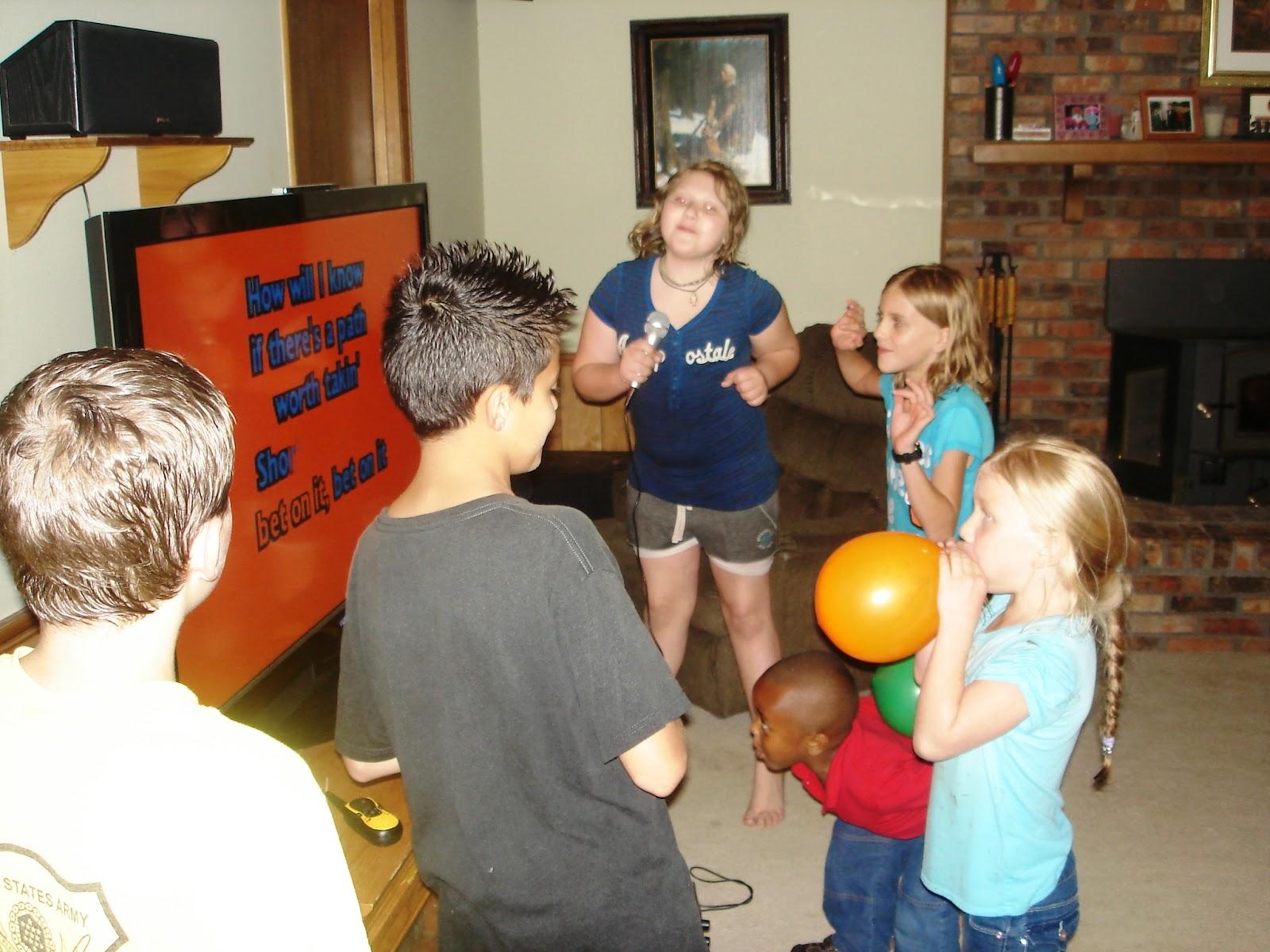 Scene for Sarahs 11th birthday party. - YouTube