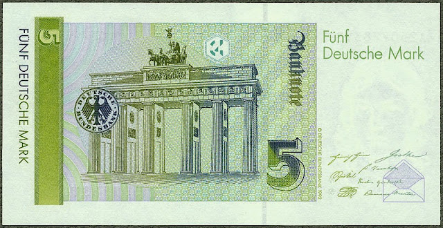 5 Deutsche Mark banknote Brandenburg Gate Berlin