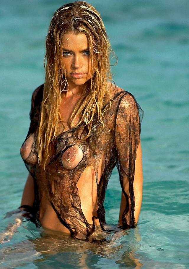 Denise Richards en topless