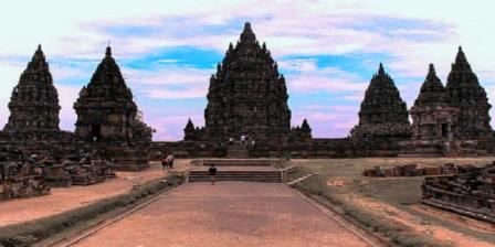 Candi Prambanan candi prambanan dibangun oleh candi prambanan didirikan oleh candi prambanan bercorak candi prambanan dibangun oleh raja candi prambanan merupakan peninggalan dari dinasti