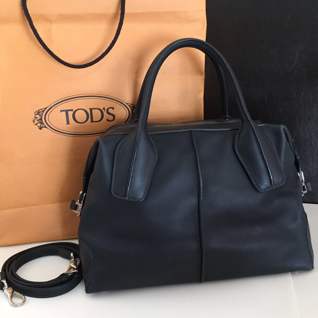 black-tods-handbag-with-swiveling-straps-brother-pornfuck