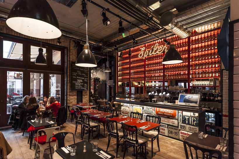 Soffitto Stazione New York Creative People Lab: Bistrot A Budapest
