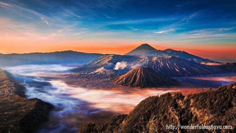 40 Koleksi Gambar Pemandangan Gunung Yang Sangat Indah HD Terbaik