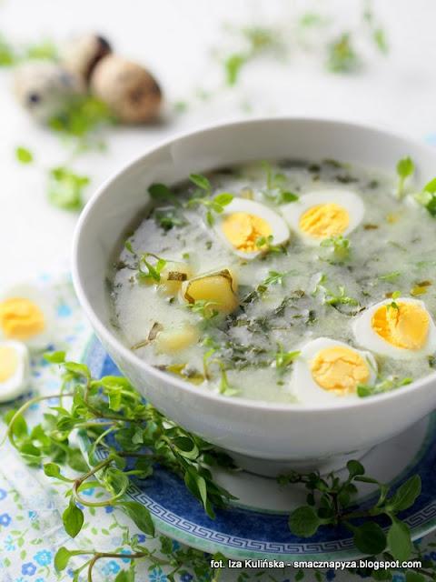 zurek z czosnkiem, zalewajka czosnkowa, zupa wiosenna, zakwas na zur, wielkanoc, zupy, zupa domowa, czosnek niedzwiedzi, zielenina, rosliny jadalne