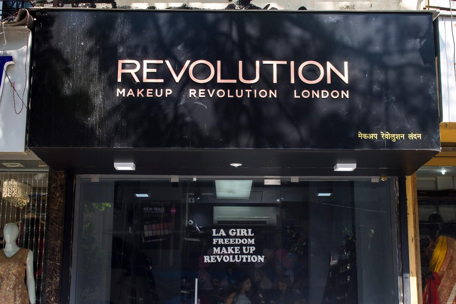 Compact Matters.  Sneak Peak Into The Makeup Revolution Store. cfa45b9c554