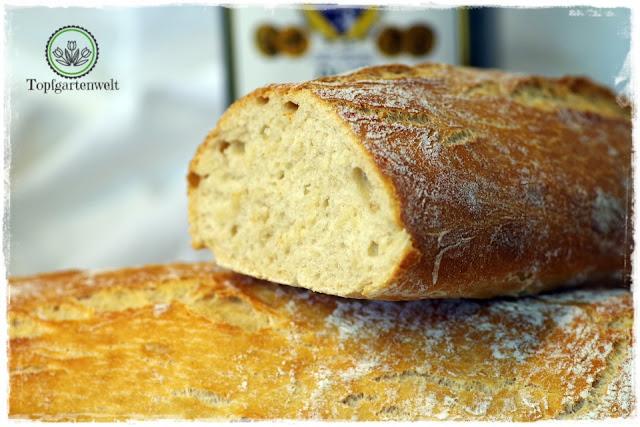 schnelles Ciabatta-Brot gemacht aus Vorteig und Hauptteig gebacken im Dampfbackofen - Foodblog Topfgartenwelt
