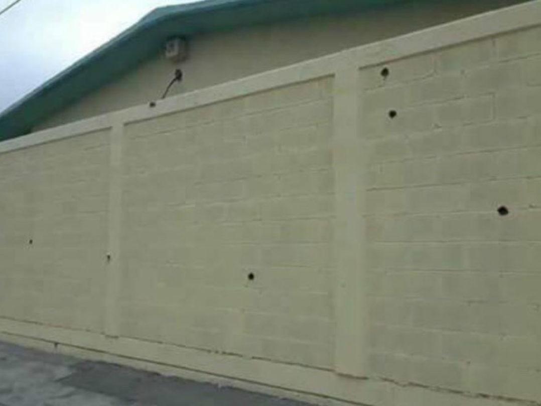 VIDEO: Tiroteo frente a primaria de Nuevo Laredo deja un muerto y un herido
