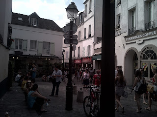 Montmartre Les rues autour de la place du Tertre.