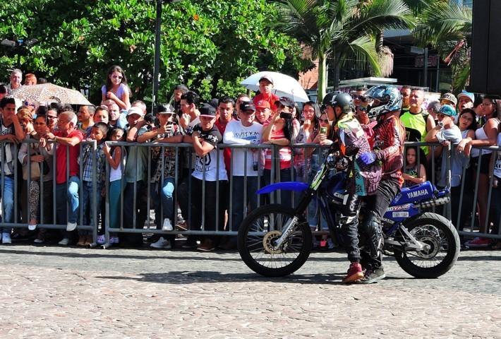 stunt bello moto dt presentación