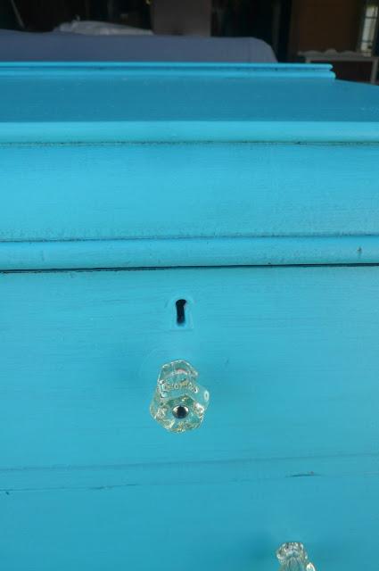 sun-aged glass knob