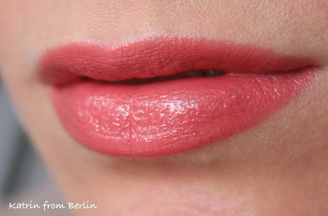 Mary Kay® Creme Lipstick review swatch