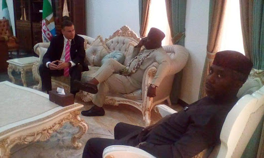 U.S Ambassador Stuart Visits Imo, holds talks with Governor Rochas Okorocha.