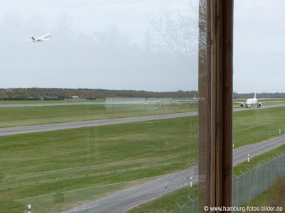 Start und Landung am Hamburger Flughafen