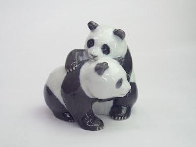 ロイヤルコペンハーゲン 戯れる子パンダ